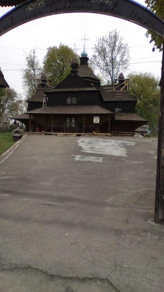 За селфі церкви – приз: відомий священик з Тернопільщини запустив новий флешмоб, фото-8