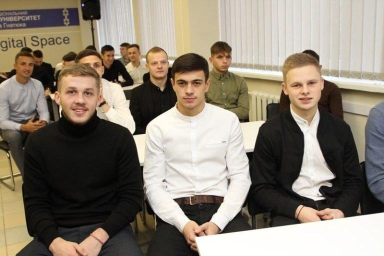 """Шість гравців тернопільської """"Ниви"""" отримали звання """"Майстер спорту"""", фото-1"""