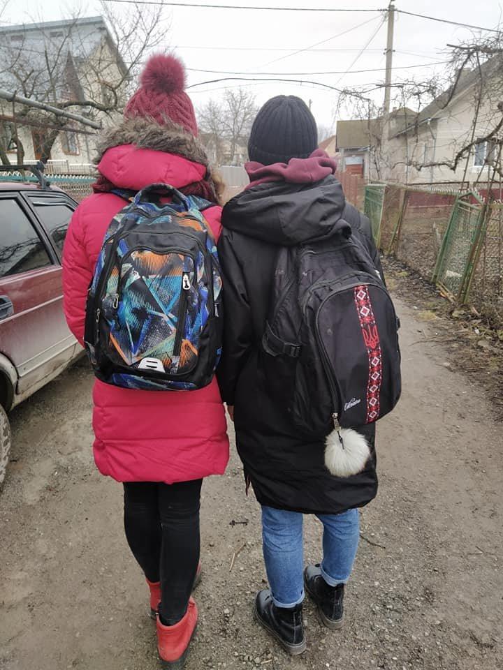 У Тернополі двох дівчаток з багатодітної родини вигнали з рейсового автобуса (ФОТО), фото-1