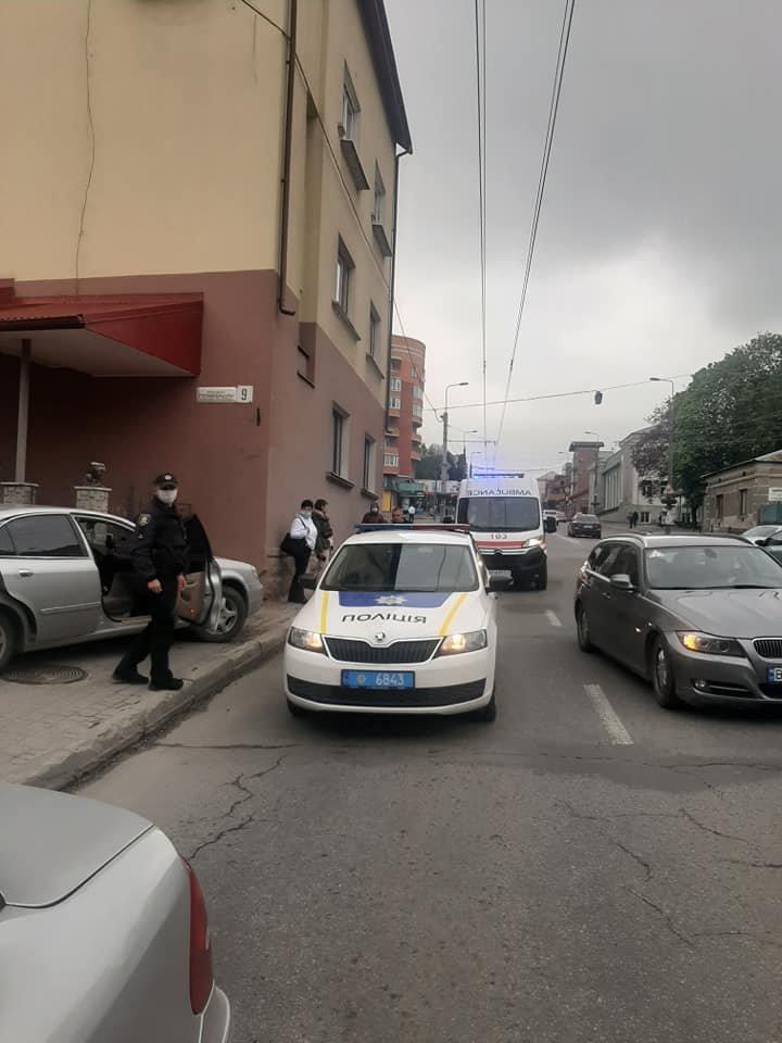 У водія тернопільського таксі стався припадок прямо під час руху авто з пасажирами (ФОТО), фото-3