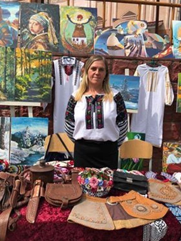 Почала вишивати з шести років: майстриня з Тернопільщини розповіла про домоткане лляне полотно (ФОТО), фото-4