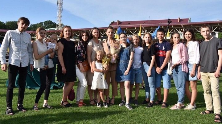Родина з Тернопільщини, котра виховує 14 дітей, розповіла про сімейні цінності та уклад (ФОТО) , фото-7