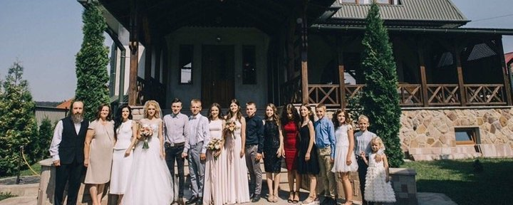 Родина з Тернопільщини, котра виховує 14 дітей, розповіла про сімейні цінності та уклад (ФОТО) , фото-6