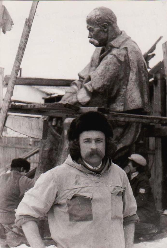 Оприлюднено чорно-білі світлини встановлення пам'ятника Тарасу Шевченку у Тернополі (ФОТОРЕПОРТАЖ), фото-3