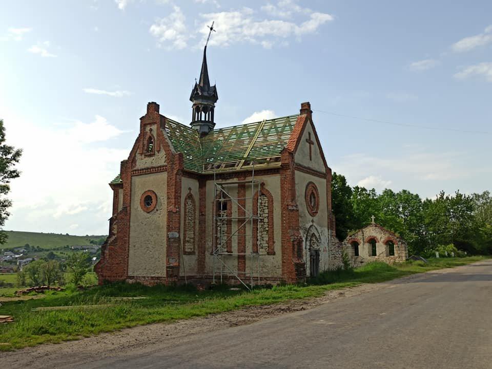 Використовували як склад: на Тернопільщині проводять реконструкцію  костелу, якому більше ста років (ФОТО), фото-1