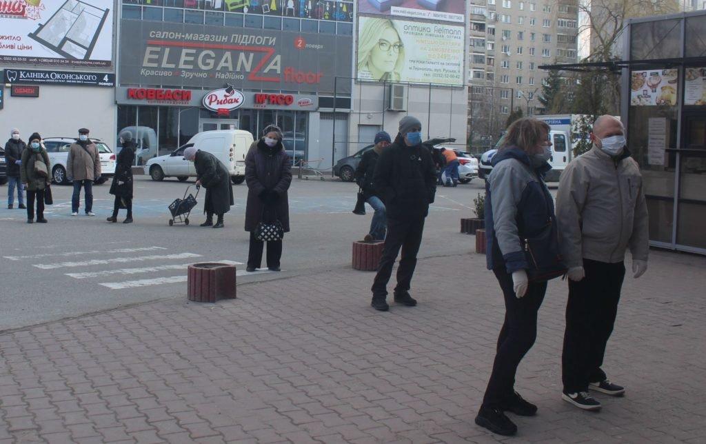 У Тернополі заборонили тренування дітей у залах і роботу кафе без вентиляції, а також рекомендували всім працювати дистанційно , фото-1
