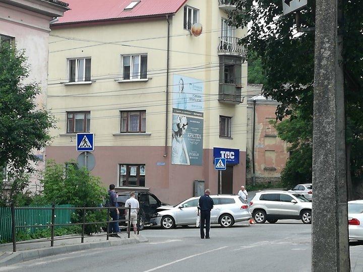 ДТП у Тернополі: утворився гігантський затор із тролейбусів (ФОТО), фото-8