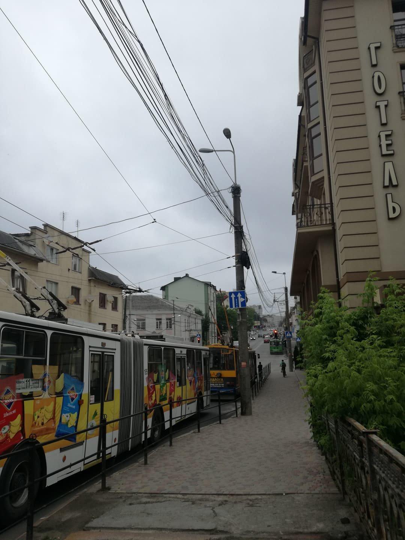 ДТП у Тернополі: утворився гігантський затор із тролейбусів (ФОТО), фото-5