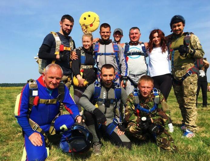 У 22 роки – 21 стрибок із парашутом!:  тернополянка Анастасія Дячук — про те, як «падати з неба», фото-1