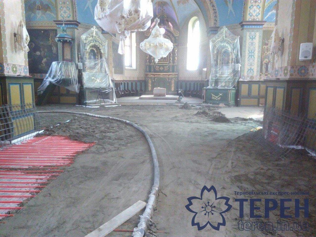 В селі на Тернопільщині громада власними силами відремонтувала понад столітню церкву (ФОТОРЕПОРТАЖ), фото-17