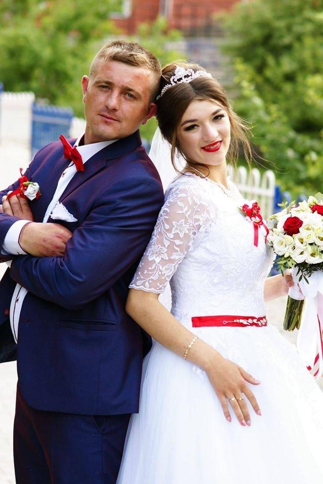 """""""Пускали всіх, ніяких масок"""": як відгуляли перше весілля після """"жорсткого"""" карантину у районі на Тернопільщині  (ФОТО), фото-1"""