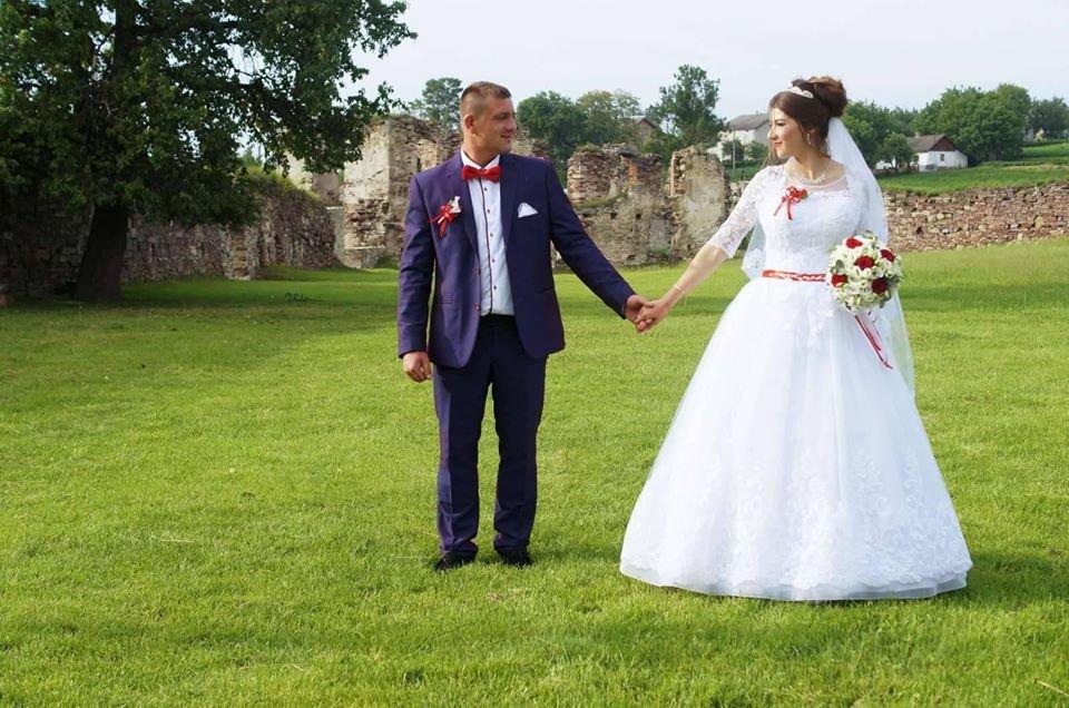 """""""Пускали всіх, ніяких масок"""": як відгуляли перше весілля після """"жорсткого"""" карантину у районі на Тернопільщині  (ФОТО), фото-2"""