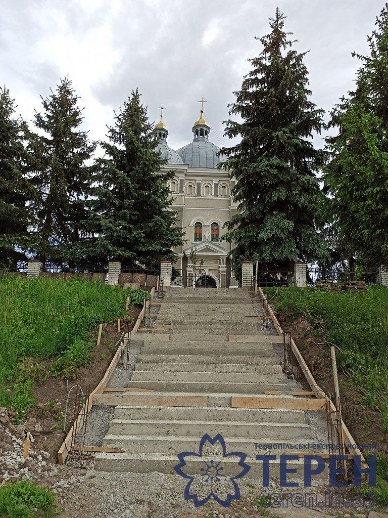 В селі на Тернопільщині громада власними силами відремонтувала понад столітню церкву (ФОТОРЕПОРТАЖ), фото-2