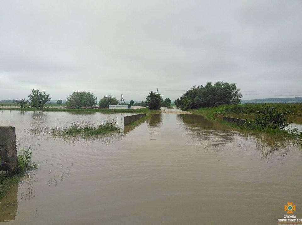 На Тернопільщині через підтоплення почали відселяти людей (ФОТО), фото-1