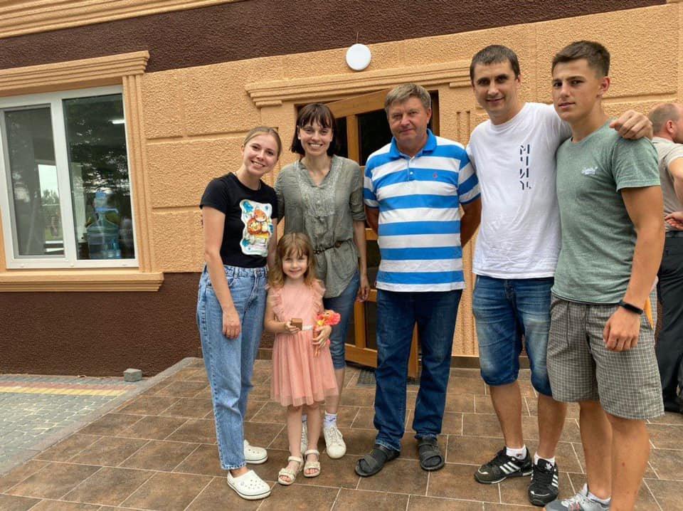 """""""Двоє діток в цій сім'ї вже померло"""": батьки-алкоголіки споювали рідних дітей, волонтери просять про допомогу (ФОТО), фото-3"""