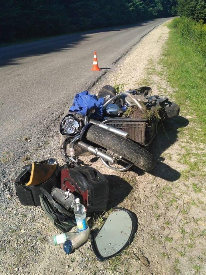 Таємнича ДТП на Тернопільщині: на автодорозі виявлено побитий мотоцикл (ФОТО), фото-2