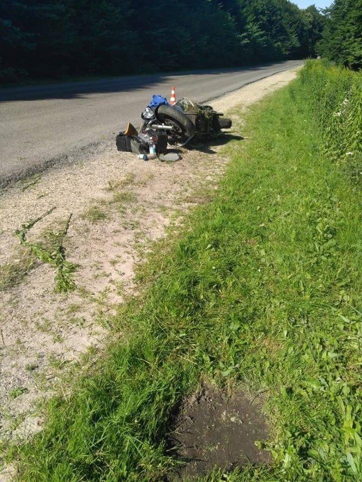 Таємнича ДТП на Тернопільщині: на автодорозі виявлено побитий мотоцикл (ФОТО), фото-3