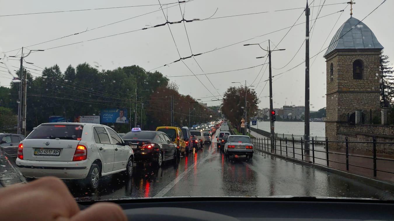 """""""Вкотре затопило"""": з'явилися знімки і відео наслідків сильної грози у Тернополі (ФОТО+ВІДЕО), фото-1"""