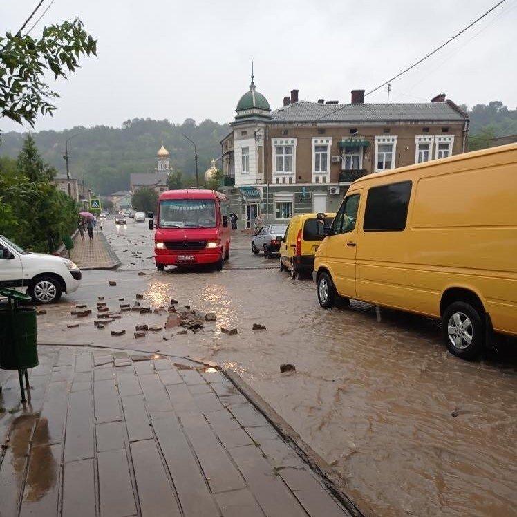 """""""Невиправна шкода"""": на Тернопільщині через зливу затопило ціле місто (ФОТО+ВІДЕО), фото-1"""