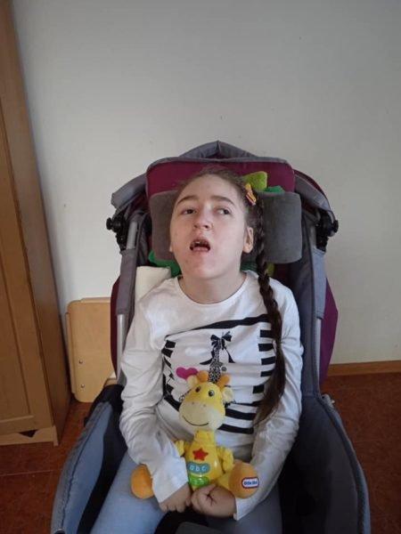 """""""Вітчим бив головою об сервант"""": дівчинці, яка постраждала від жорстокості, потрібна допомога (ФОТО)  , фото-1"""