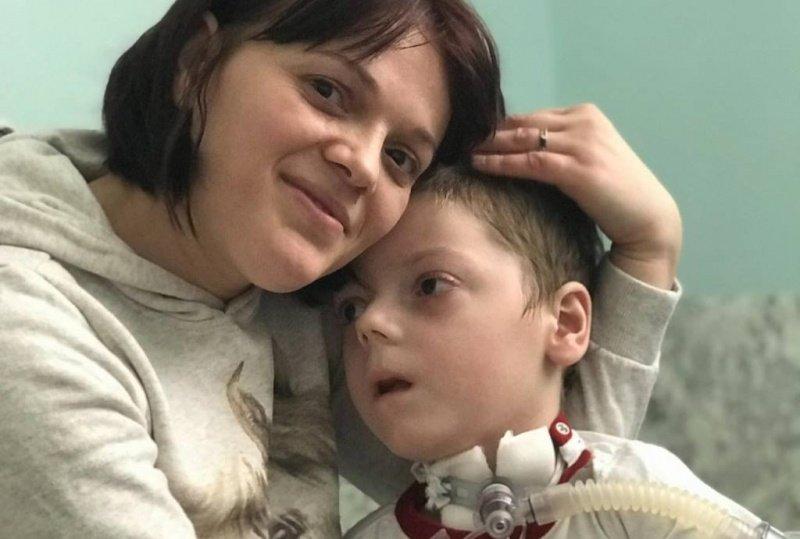 """""""Це була неймовірна дитина"""": помер маленький хлопчик, якого використовували у жебракуванні (ФОТО), фото-1"""
