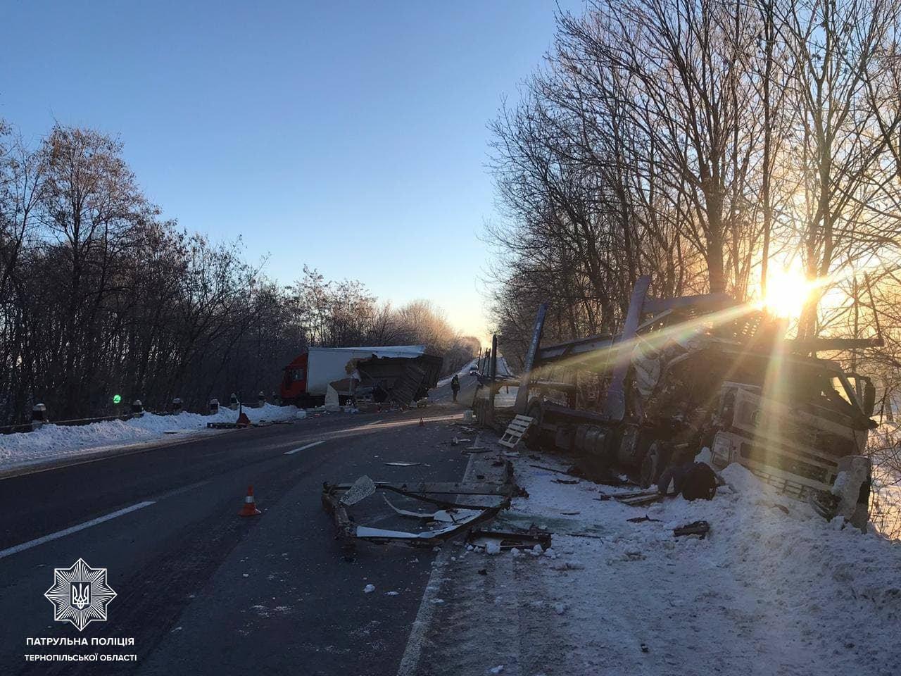 Вражаюча ДТП на Тернопільщині: в аварії постраждали відразу дві вантажівки (ФОТО), фото-2