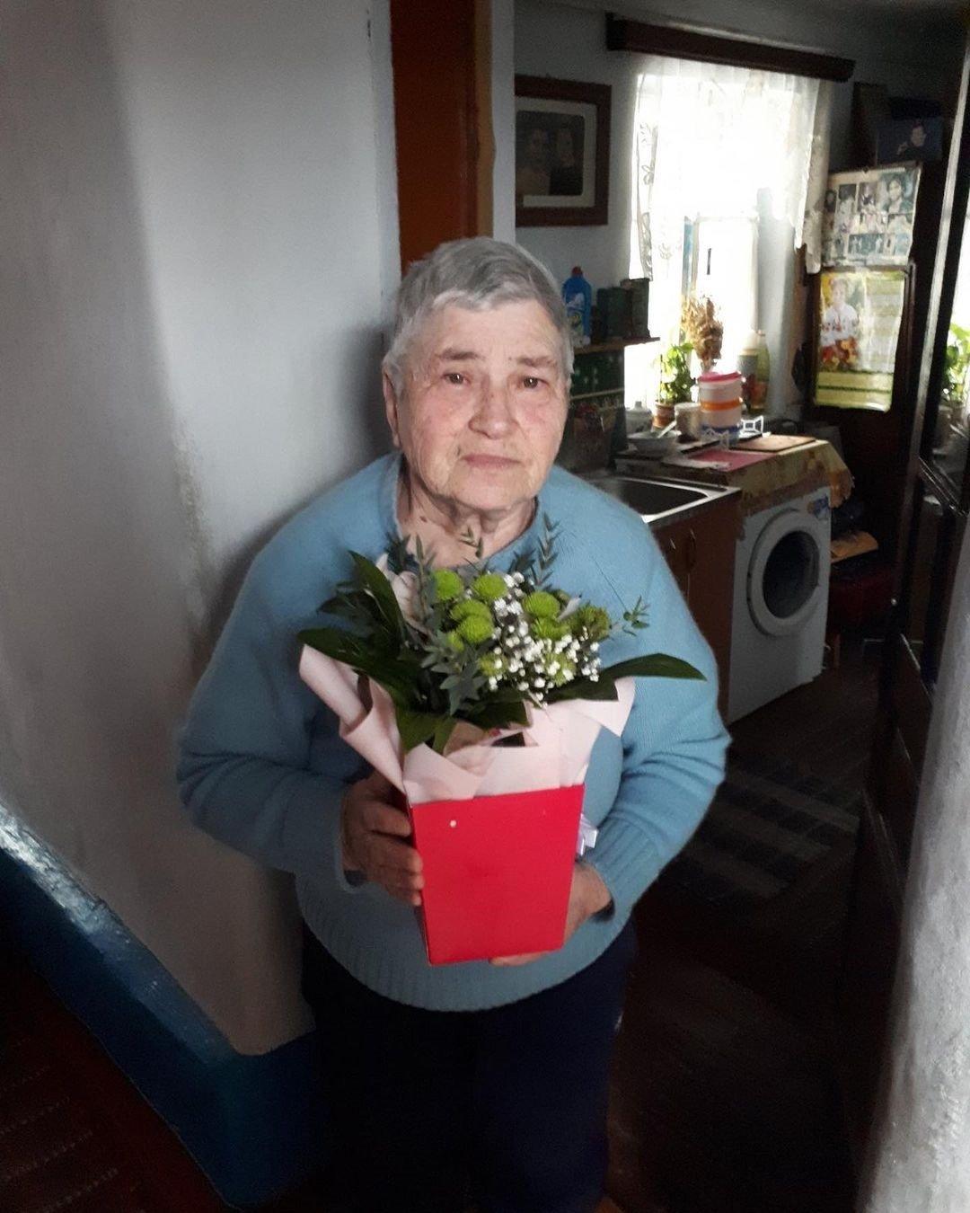 """Віктор Павлік показав бідну мамину хату: """"може хоч побілите їй стіни?"""", фото-1"""
