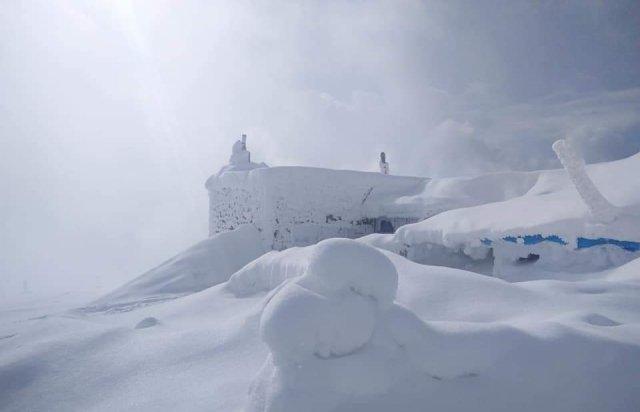 Карпати рясно засипало снігом: краєвиди виглядають казково (ФОТОРЕПОРТАЖ, ВІДЕО), фото-1