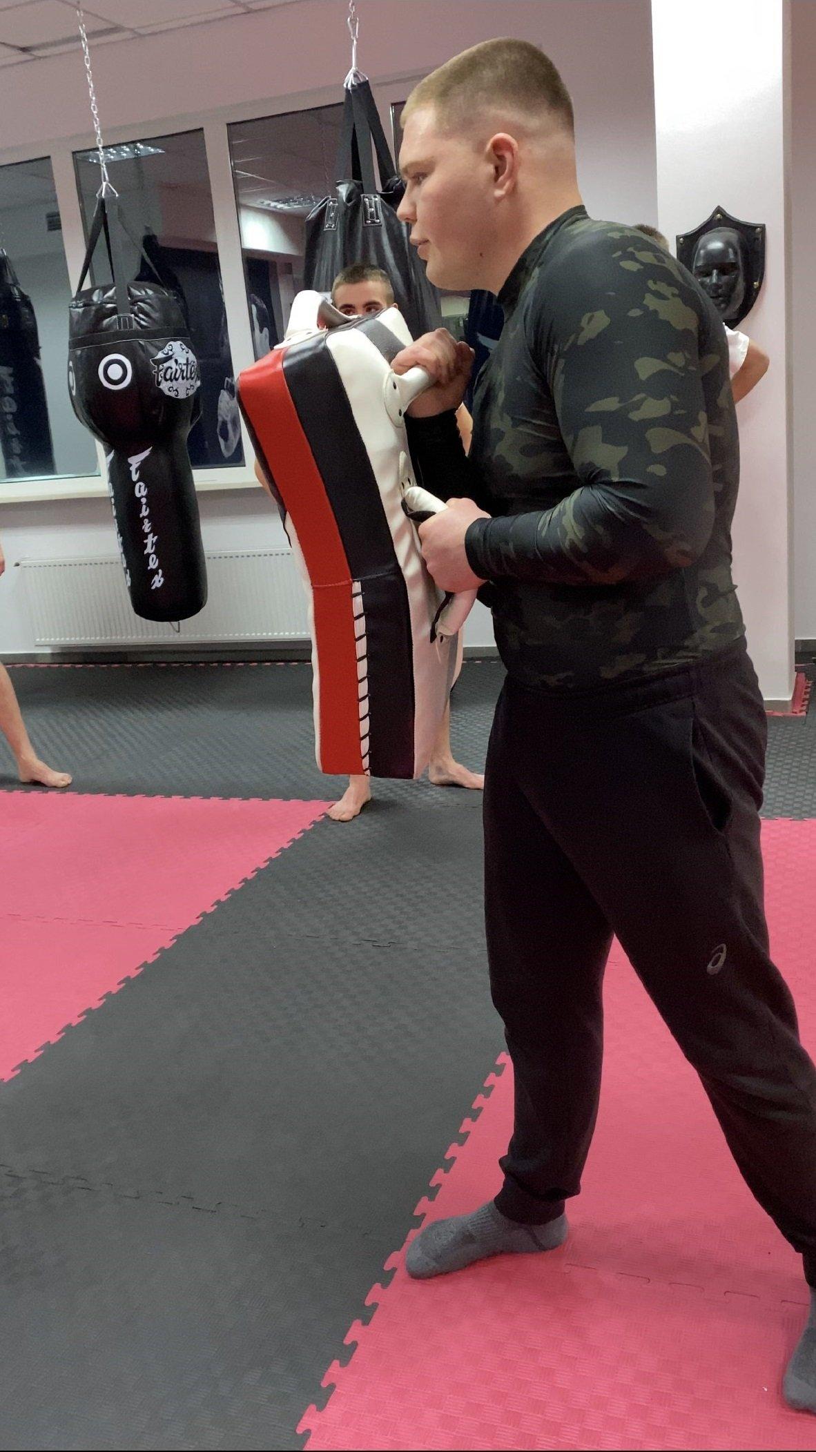 Фанатик спорту: чемпіон світу з тайського боксу Дмитро Борсук провів майстер-класи у СК «Workout Hall» у Тернополі, фото-2