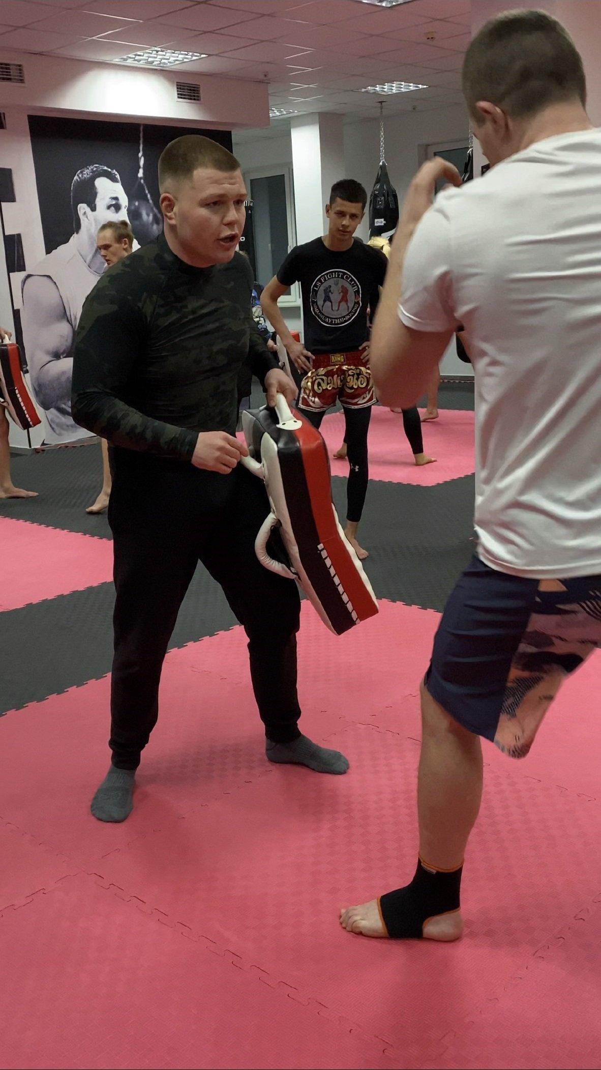 Фанатик спорту: чемпіон світу з тайського боксу Дмитро Борсук провів майстер-класи у СК «Workout Hall» у Тернополі, фото-3