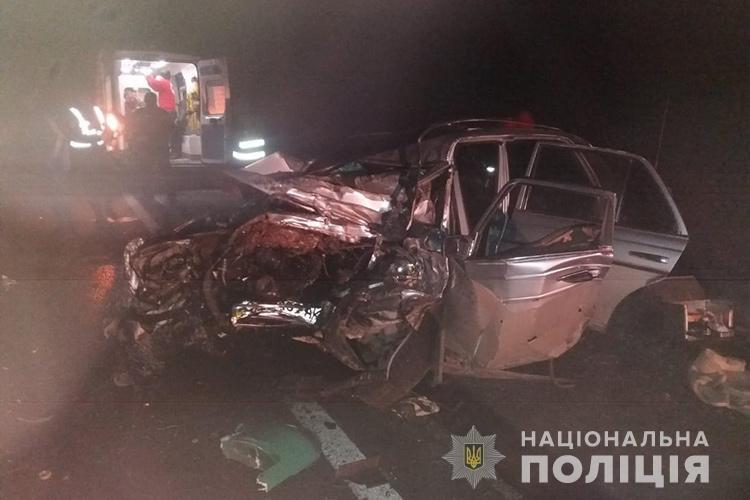 """Водій загинув на місці: на Тернопільщині зіткнулися """"Мерседес"""" і фура (ФОТО), фото-2"""