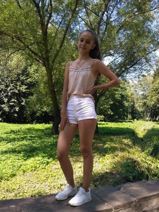 Вийшла на прогулянку і не повернулася: у Тернополі зникла 15-річна дівчинка (ФОТО), фото-1