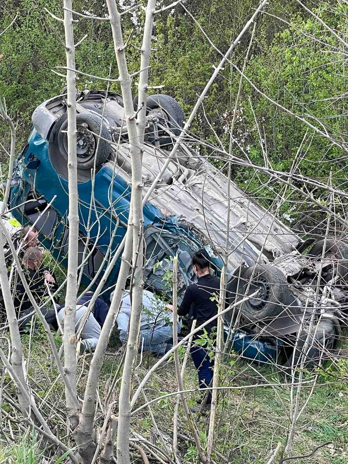 Свідки аварії рятували людей: на Тернопільщині сталася жахлива ДТП (ФОТО), фото-1