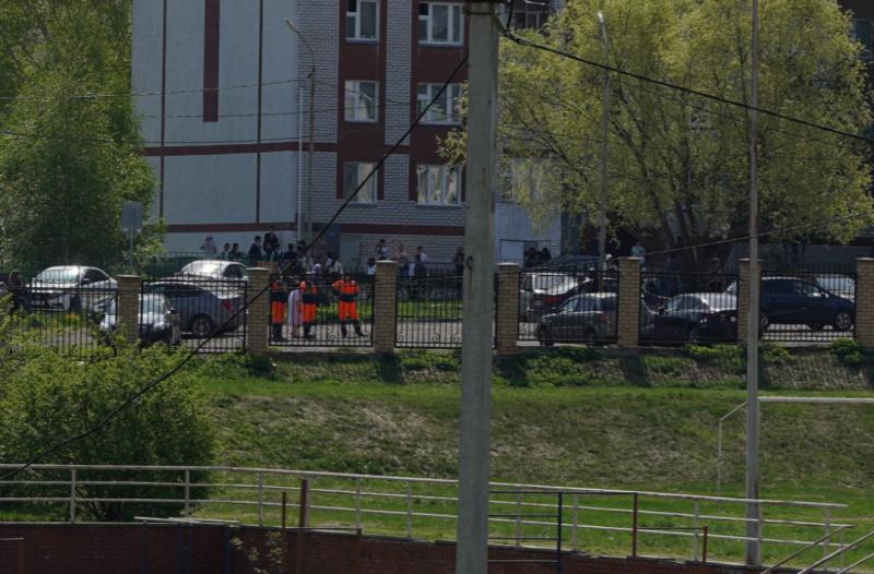 Багато загиблих і постраждалих: у Росії учень влаштував криваву стрілянину в гімназії (ФОТО), фото-1