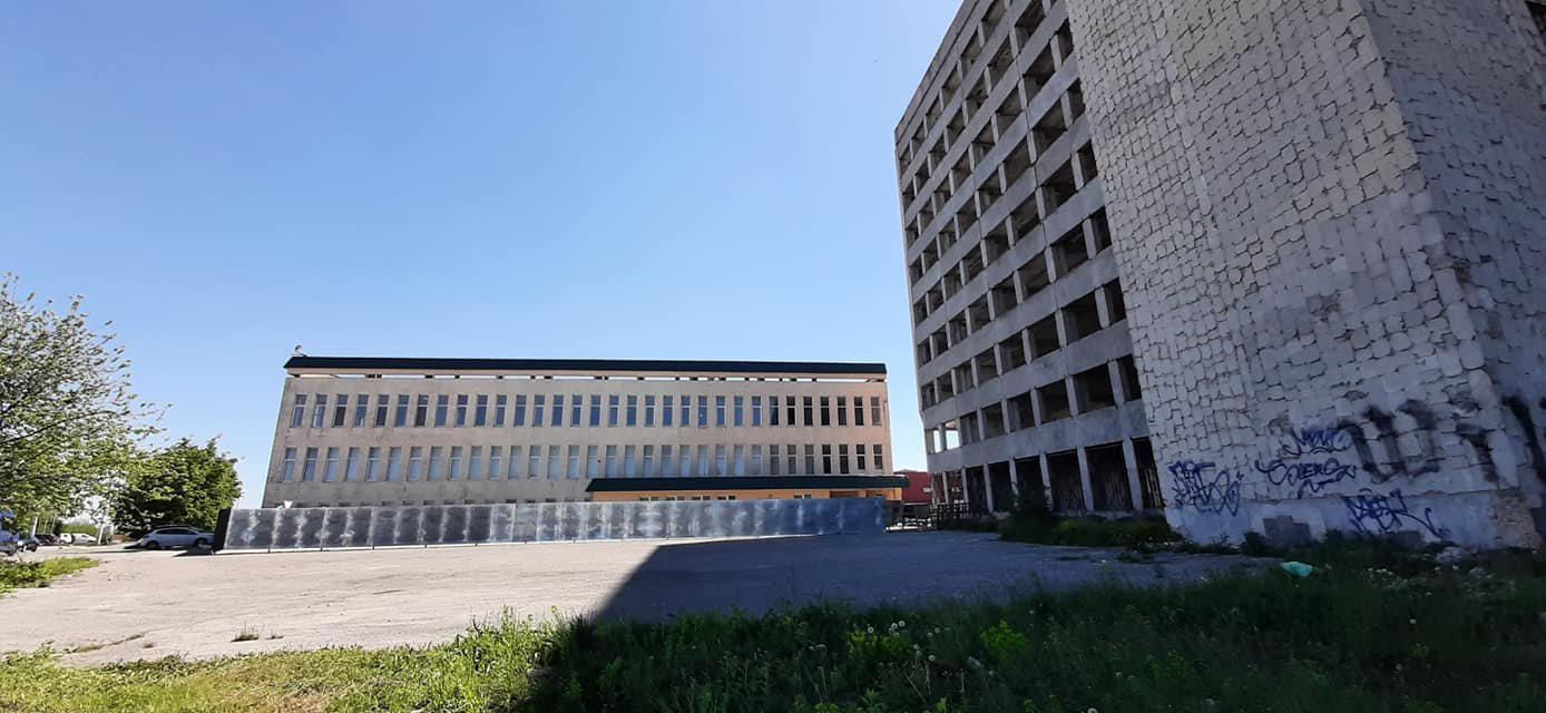 """""""Діра в землі"""": у Тернополі помітили місце, яке становить пряму загрозу для пішоходів (ФОТОФАКТ), фото-3"""