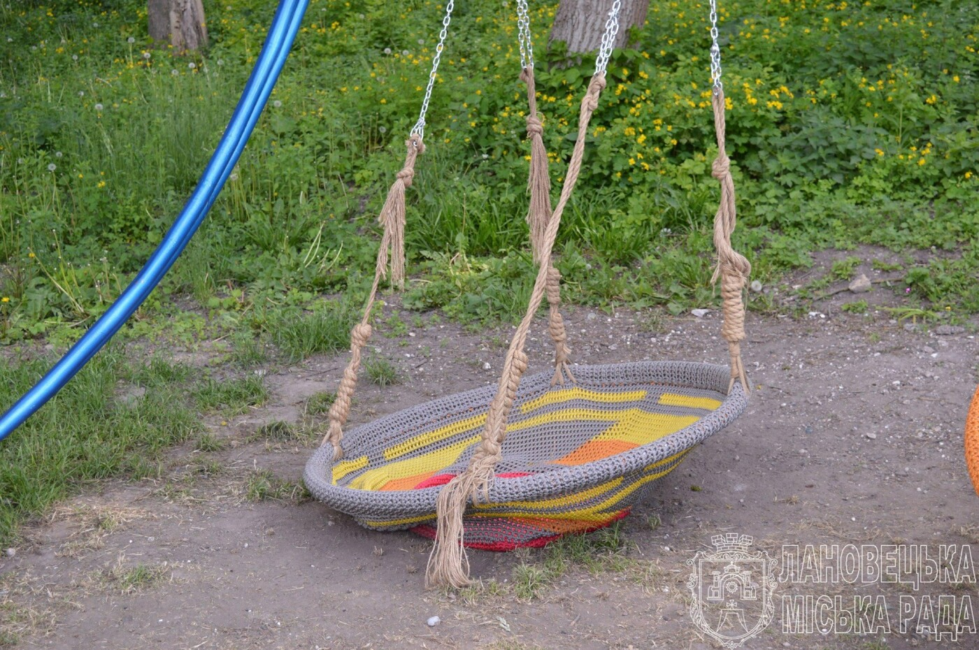 Гірше за монголо-татарів: на Тернопільщині потрощили нещодавно відкритий молодіжний майданчик (ФОТО), фото-5