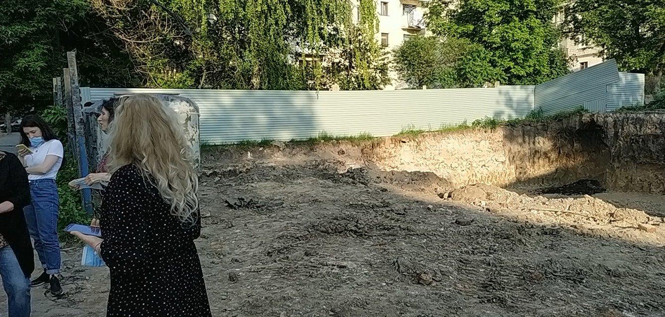Моторошна знахідка: на будівельному майданчику у Тернополі викопали людські рештки (ФОТО), фото-2