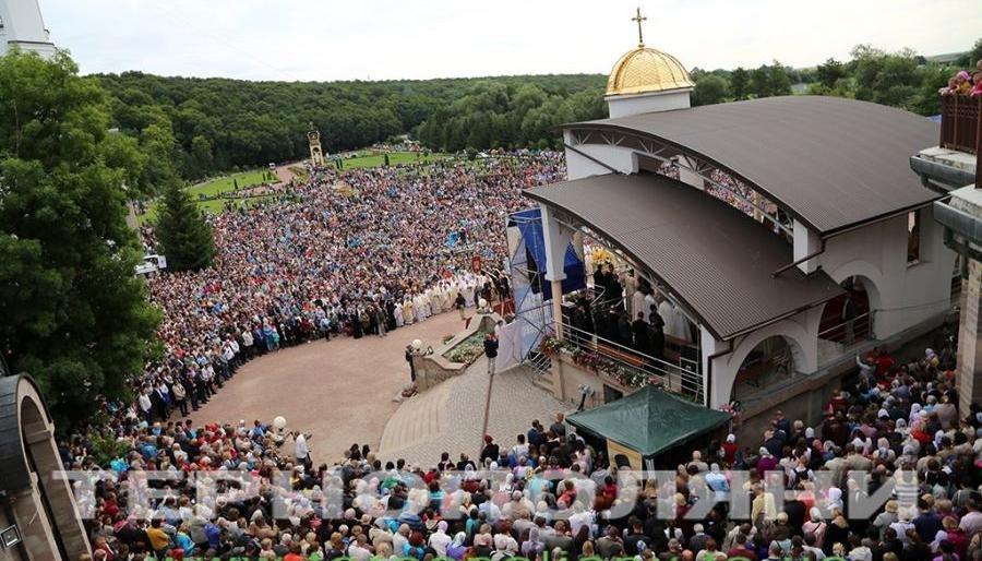 Для духовного збагачення: франківських прочан безкоштовно возитимуть у Тернопільську та Львівську області